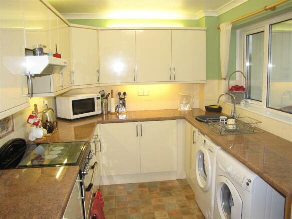 7336 Kitchen.JPG