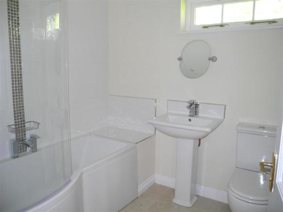 7065 bath.JPG