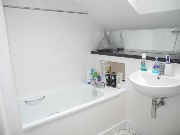 7329 Bath.JPG