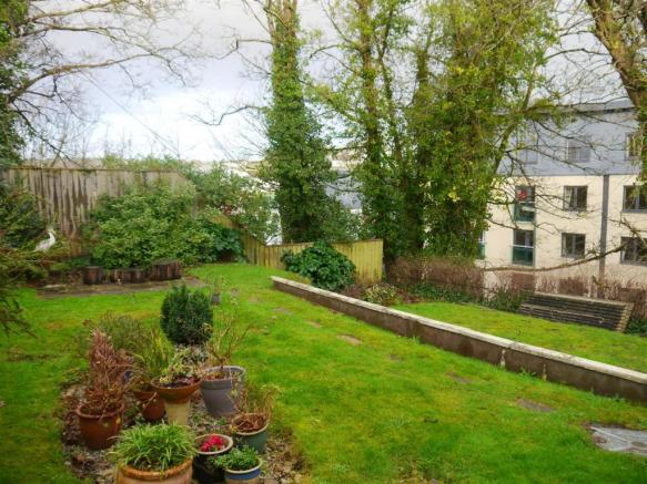 waterloo garden 1.JPG