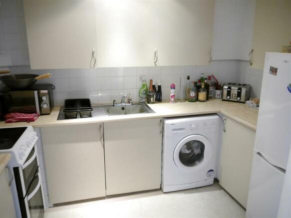 base kitchen 1.JPG