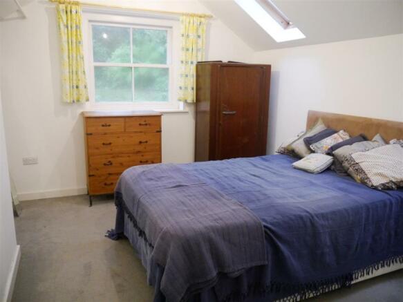 rill bedroom 1.JPG