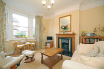 2 bed property in Balfour Road, Ealing