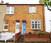 2 bed house in Ridley Avenue, W13