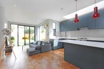 2 bedroom Flat for sale in Adelaide Terrace, TW8