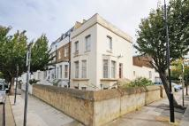 4 bed property in Askew Crescent