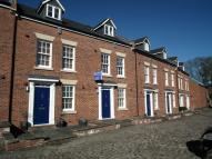 Town House to rent in Second Wood Street...