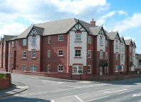 2 bed Flat in The Gatehouse...