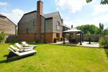 4 bedroom property for sale in Addlestone, Surrey