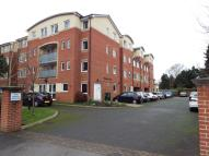 Flat for sale in Addlestone Park...