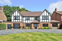 5 bedroom Detached property in Barnfield Wood Road...