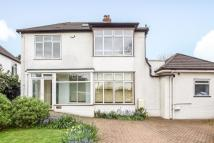 5 bed Detached home in Kings Hall Road...