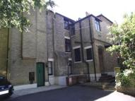 Flat for sale in Cobden Avenue...