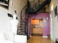 2 bedroom Flat in Warners Mill, Silks Way...