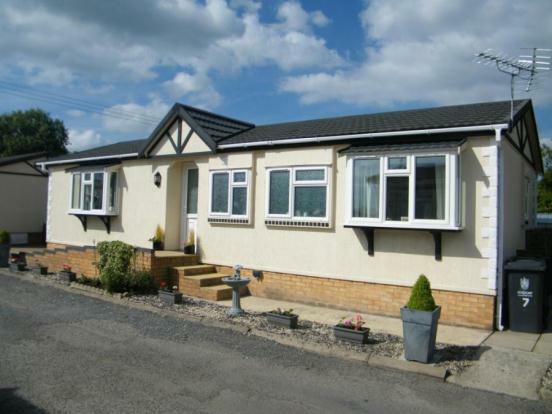 2 Bedroom Mobile Home For Sale In Appletree Close Cottenham Cambridge Cambridgeshire Cb24