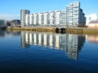 3 bedroom Flat in Lancefield Quay...