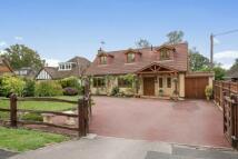 4 bedroom Detached house in Beechwood Close...