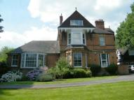 Maisonette for sale in Holland House...