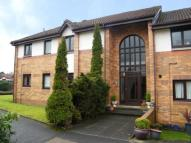 2 bed Flat for sale in The Paddock, Clarkston...