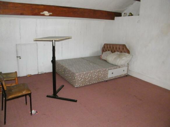 Attic Bedroom Pic1