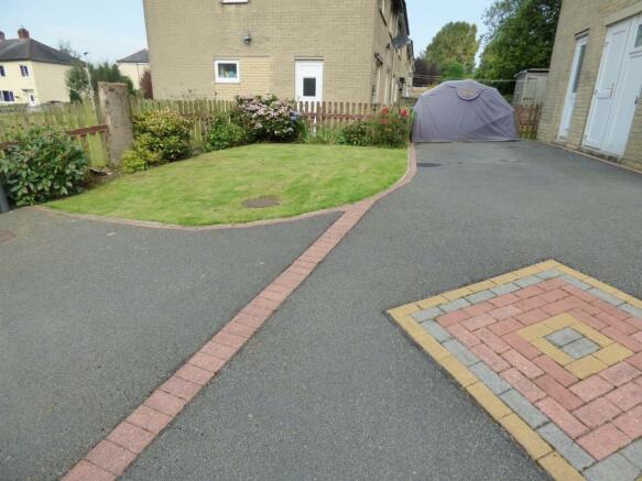 Driveway & Side Gard