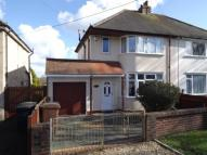 3 bed semi detached house for sale in The Avenue, Kennington...