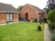 Bungalow in Crossdale Grove, Oakwood...