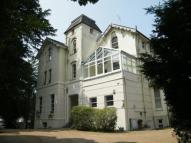 1 bedroom Flat for sale in Portsmouth Road, Esher...