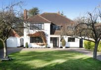 4 bed Detached home for sale in Farnborough Park...