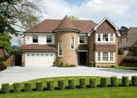 5 bed Detached house in Longdon Wood, Keston Park