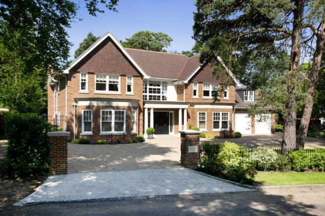 6 bedroom detached house for sale in forest drive keston for 5 bedroom house designs uk