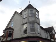 2 bedroom Flat for sale in Frensham Road, Farnham...