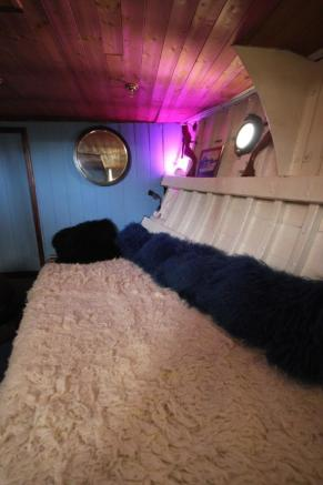 Cabin seating/sleepi