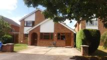 4 bed property for sale in Meadow Close, Farmoor...