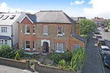 6 bedroom house in Kingston upon Thames