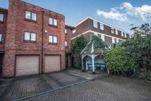 4 bedroom semi detached property in Purcell Drive...