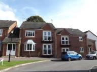 Flat in Kingswood Court...