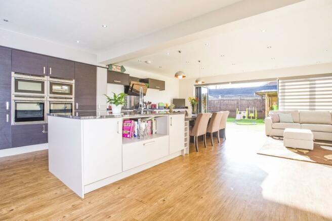 Kitchen Diner/Family