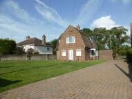 4 bedroom Detached house in Dymchurch Road...
