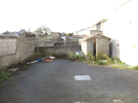 Parking/Garden
