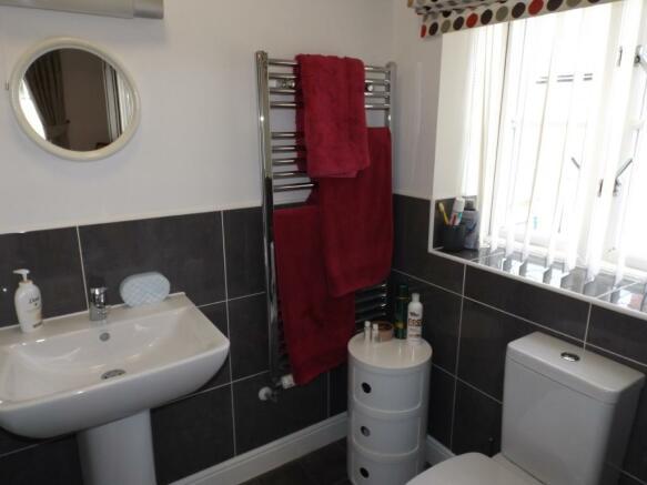 En Suite Shower/Cloa