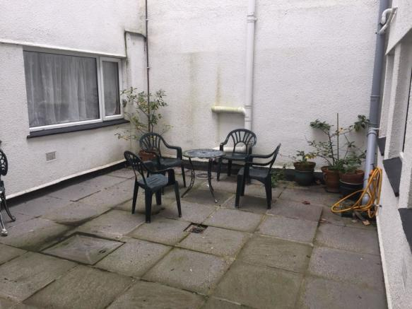 Enclosed Courtyard G