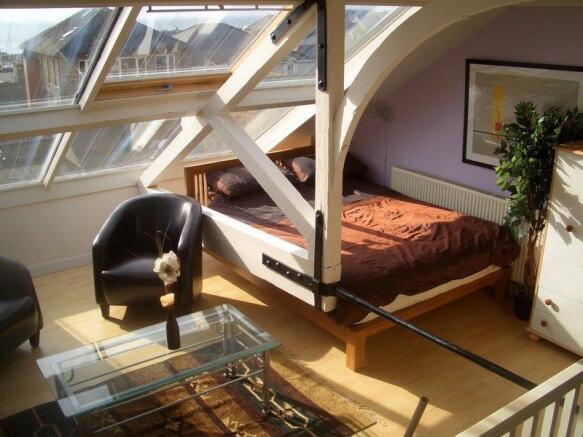 Mezzanine/Bedroom 3