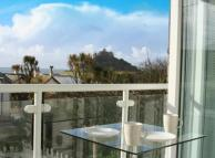 Flat in Fore Street, Marazion...