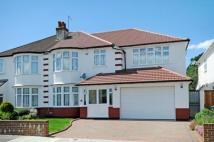 5 bed semi detached home in Grosvenor Road...
