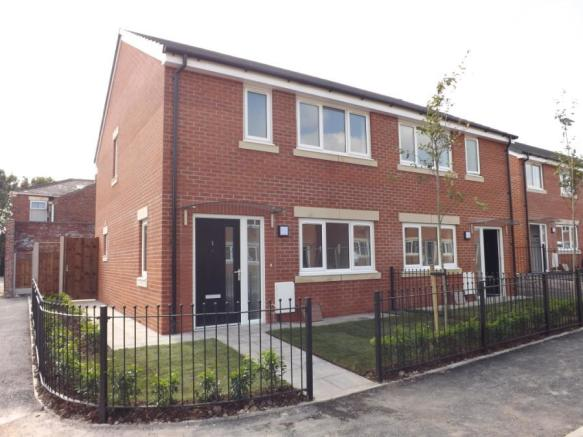 3 bedroom semi detached house for sale in mosley street