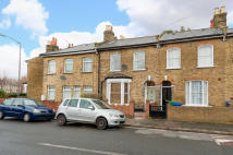 3 bedroom End of Terrace home to rent in Kimberley Avenue, SE15