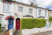 5 bed Terraced house in Lanvanor Road
