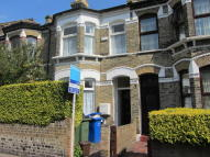5 bedroom Terraced property to rent in Elcot Avenue, London