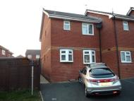 2 bed End of Terrace property in Nelson Drive, Cowes,